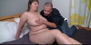 Fat girlfriend spreads legs for him