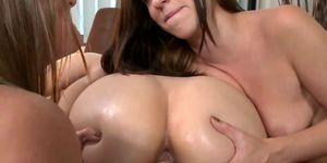 Dildo Busting For The Booty