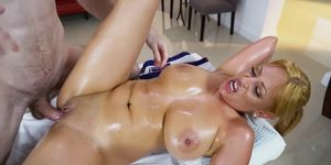 Irresistible latina MILF dicked by hung masseur