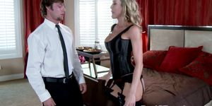 Busty MILF girlfriend blows delivery guy in hotel room