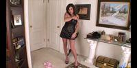 Dirty talking maid Lola Lynn