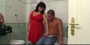 Taboo Sex with Big Boobs Mother-In-Law in The Bath