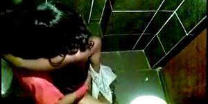 Free lsex porn - Sexo em banheiro publico