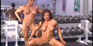 Sexy Nadia Nardi und Freund Lesben Dusche Sexszene