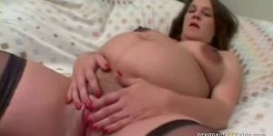 Preggo Jeni fingers herself