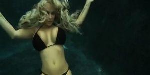 Amazing underwater sex by troc