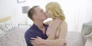 18 Virgin Sex - Beautiful blonde girlfriend