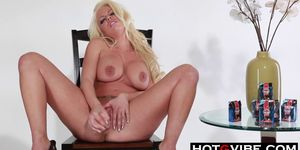 Stripping Britney Amber Dildoes Pussy