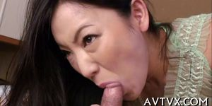 Exploring a juicy and hairy asian cunt Porn Videos