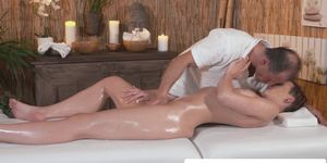 Erotic masseur pussy fucks client till on cum ass