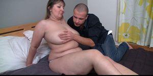 Fat girlfriend spreads legs for him