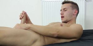 Hung Twink Peter Jacking Off