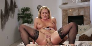 Stockinged milf orders sex while in stockings