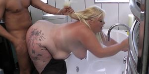 Worker fucks busty blonde bitch from behind