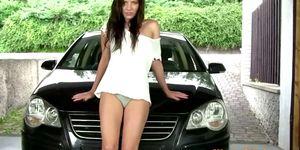 Wam brunette babe washes car with urine
