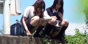 Japanese teens gush piss