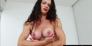 Latina trans babe Laiza Lavier masturbates her shecock and cums