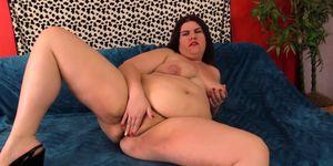 Fat girl Danni Dawson suck and fuck