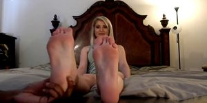 Foot Massage Turns into Footjob