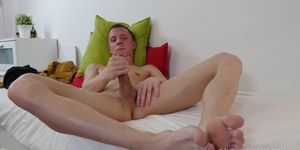 Twink Andrew Foot Fetish Jerk Off