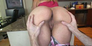 Latina Shakes Big Butt Camen Ross Porn Videos