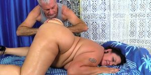 Plumper Lacy Bangs Has Her Fat Body Rubbed Down