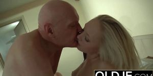 Horny Morning Sex Old Young Porn Girlfriend fucked cum
