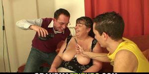 Two boys fuck chubby hairy pussy woman