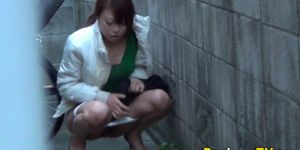 PISS JAPAN TV - Sneaky asians urinating