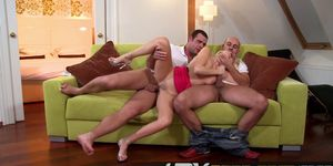 Blonde Mature Claudia Adams Threesome Playing nd Double Penetration Porn Videos