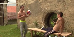 Hung jocks blow each other and have steamy anal sex outdoors