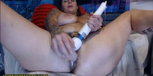 Huge Ass Brunette Fucks Really Creamy Pussy