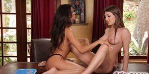JoJo revealing her big beautiful tits Porn Videos