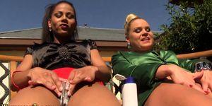 Weird lesbos piss outside