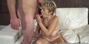 Old granny gives blowjob and fucks