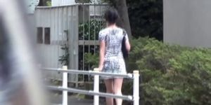 Japanese hottie pisses outdoors Porn Videos