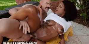 Reality Kings - Round and Brown - Evi Rei Charles Dera - Wet Me Down