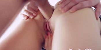 Vag rubbing teen spermed
