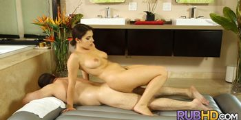 Perfect Italian Massage Therapist
