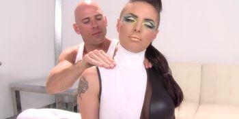 Tattooed massage chick banged and facialized