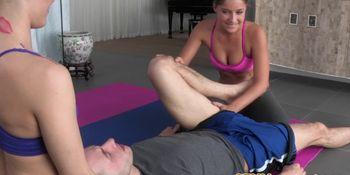 CFNM yoga babe Presley Hart riding cock