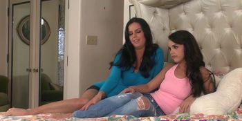 Teen beauty relaxes with lesbian loving