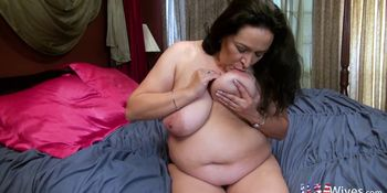 USA wives Super Seductive Mature Chubby Niki Solo